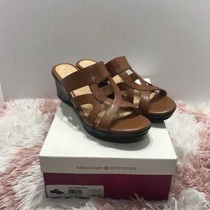 💐 Super cute Naturalizer wedges sandals 💐